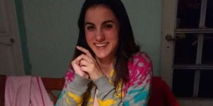 Brutal femicidio conmociona a Argentina: Joven fue violada y asesinada en frente de una amiga