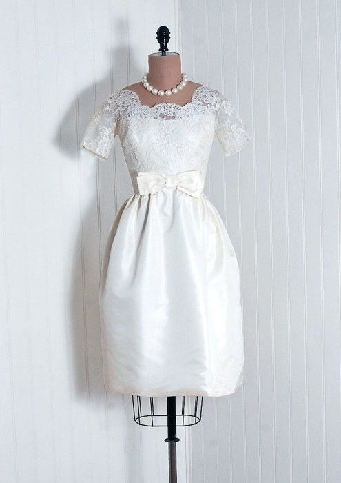1960s wedding dress via Timeless Vixen Vintage