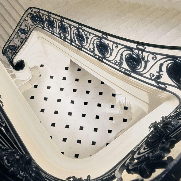 Bildresultat för метлахская плитка черно белая