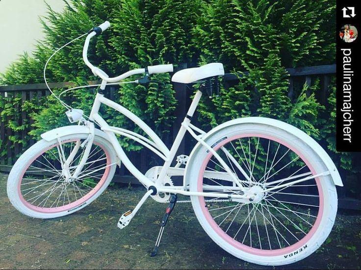 Bicicleta para mujer retro. #favoritebike #plumbike #bicycle #white #pink #polishgirl #fitgirl #healthy #fashion #beauty #picoftheday #instamood #buenosdias #sunnyday #malaga #loveit #newarrivals #tienda #outfit #rower #rowermiejski #follow #bicicleta #ciclismo #instadaily #enamorada #spain #madrid