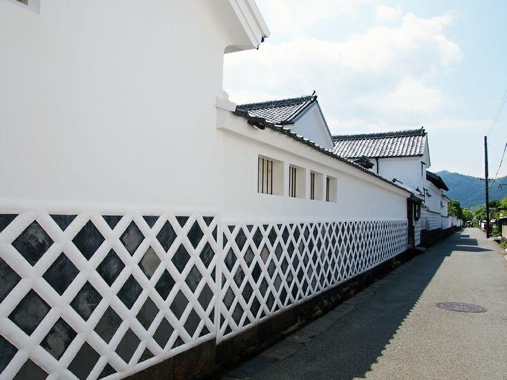 萩城 城下町のなまこ壁。町並み保存地区には、こういうレトロな壁や土塀があり美しく保存されていました。高杉晋作生家や木戸孝允生家などもこの中にあります。