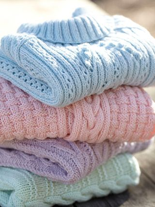 Designs from 10 Beautiful Aran Knits (492).   This collection of Hayfield Bonus ... 1