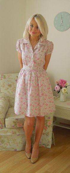 Love this blog - The Little Tailoress.  Liberty Shirt Dress | Simplicity 1880