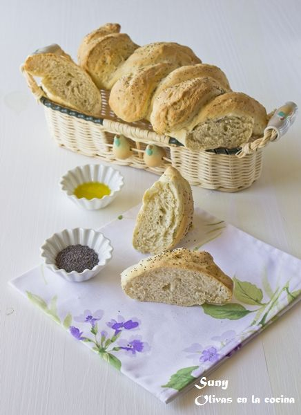 Olivas en la cocina: Pan espiga con semillas de amapola