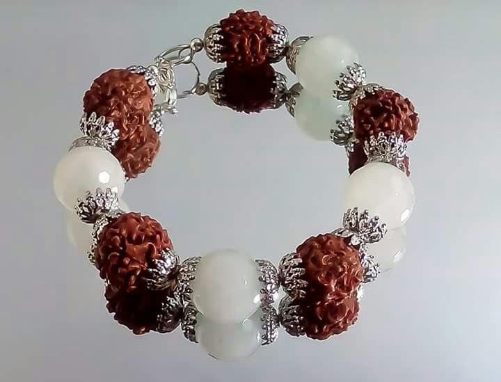 Orlov Jewellery-Rudraksha si piatra lunii