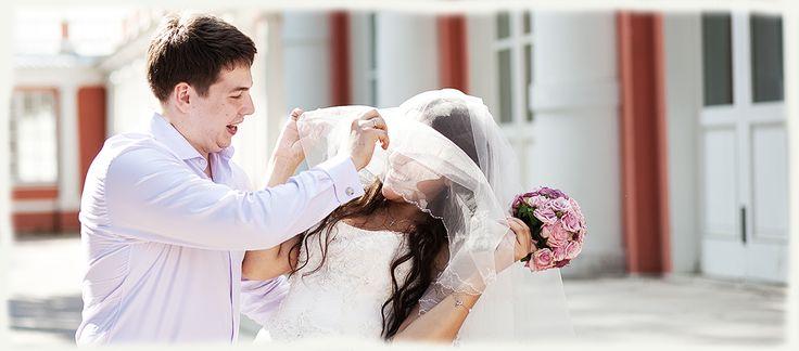 Вам нужен свадебный фотограф? Посетите мой сайт, посмотрите мой уровень свадебной фотографии и цены на услуги фотографа.