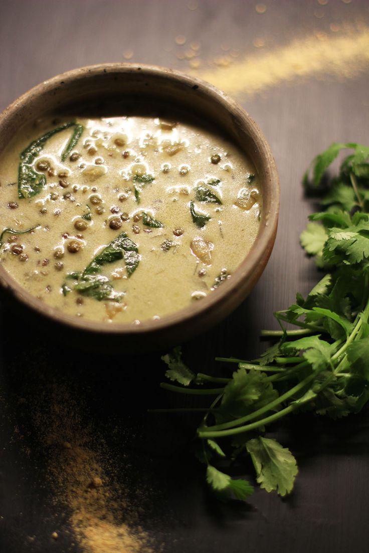 Soupe de lentilles, lait de coco et épices