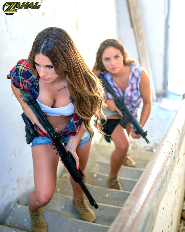 sexy-girl-with-toy-guns