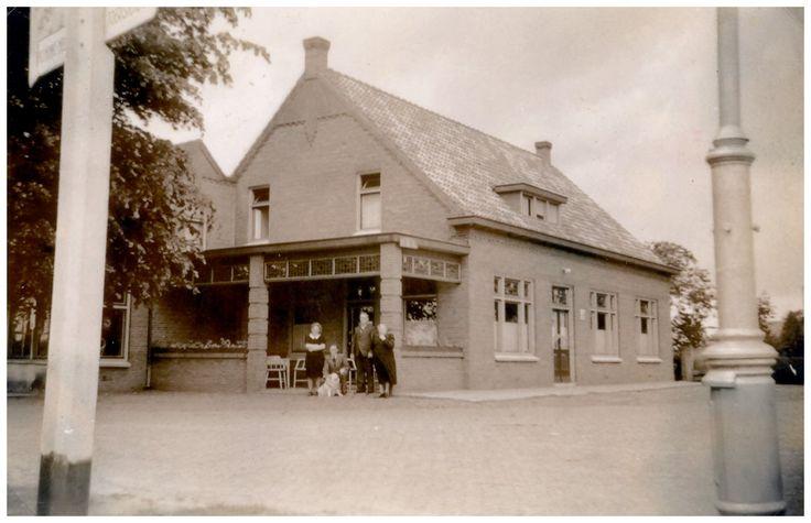 Vessem,Het cafè v.d. Ven, Wilhelminalaan 1 1955