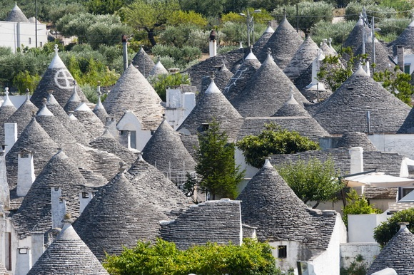 The Itria Valley - Alberobello (Bari) #alberobello #travel #italy #apulia #holidays #itria #valley