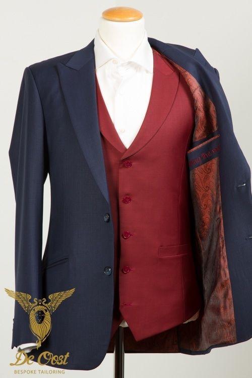 Bespoke tailored red #Waistcoat that is part of a wedding suit made with: Midnight Blue - De Oost House Cloth - Infinity A. #Bespoke #Tailoring in #Amsterdam. Handgemaakt rood vest, gilet, maakt deel uit van een trouw kostuum (#trouwpak) in de volgende stof: Midnight Blue - De Oost House Cloth - Infinity A #Kleermaker in #Amsterdam..