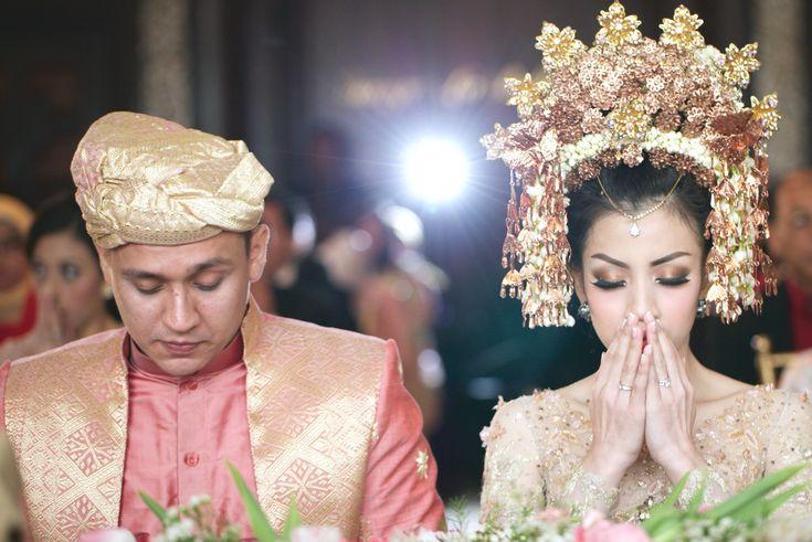 Pernikahan Adat Minang Fala dan Ihsan di Jakarta