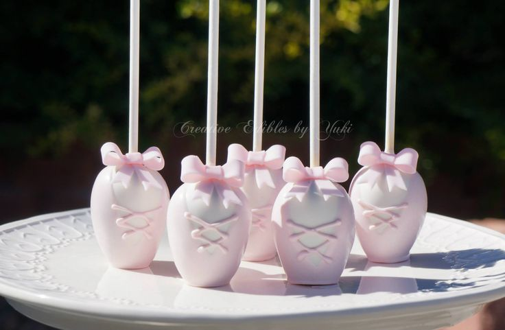 Ballet shoes cake pops