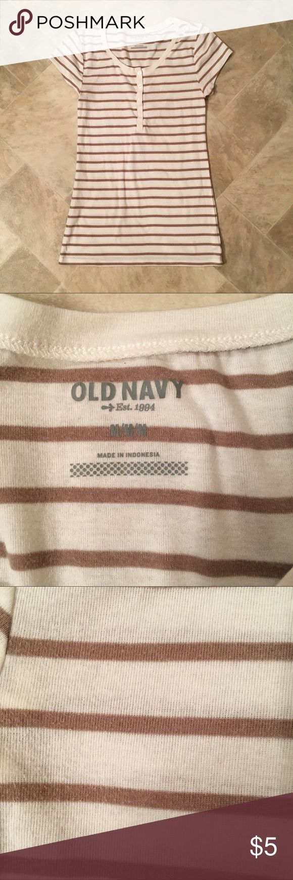 Old Navy short sleeve top In good condition. No rips, tears or stains that I can see. Has slight pilling (pictured). Old Navy Tops Tees - Short Sleeve