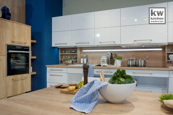 Komfortküche in hellen Farben Moderne Küchen Pinterest - Küchen Weiß Hochglanz
