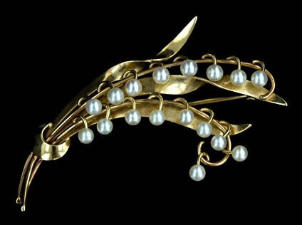 Vintage Lily of the Valley Pearl Brooch.    Very pretty.  I'd wear that.