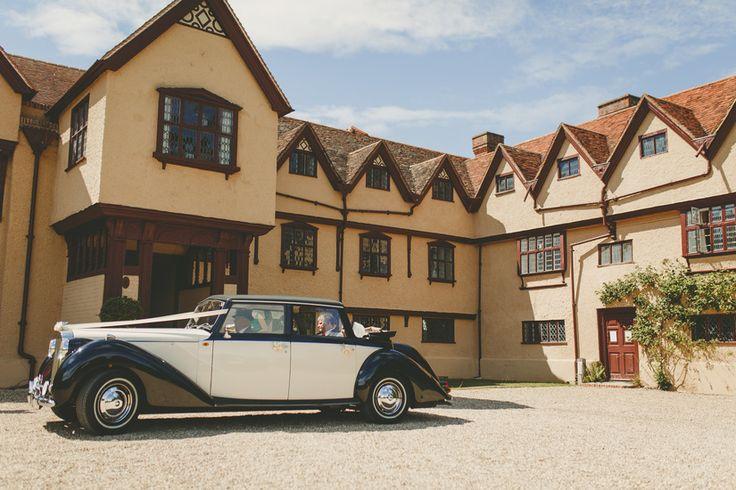 Arriving in style at Ufton Court, Berkshire, UK. Photo by Benjamin Stuart Photography @uftoncourt #weddingphotography #wedding #classiccar #weddingcar