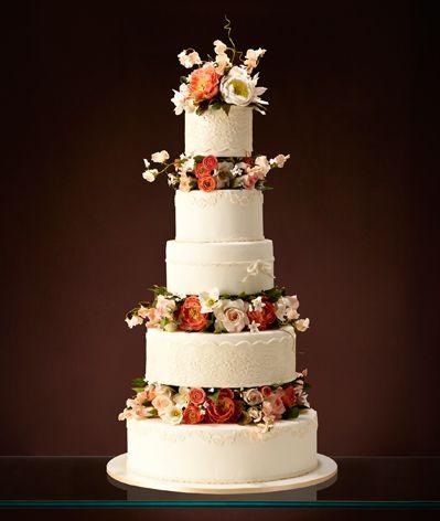 Bolo de Casamento branco com cinco andares e flores coloridas em tons terrosos, rosa e branco - Wedding Cake - The King Cake