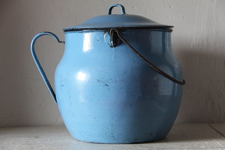 Gorgeous French Vintage Blue Enamel Pot (HD15GC)    Gorgeous old enamel cooking pot. Would make great storage in your kitchen. Fabulous bread bin or storage for onions. Fabulous shade of blue.    It is in lovely chippy, rusty, with a few scratches thrown in, vintage condition. It has rusty areas on the handle where the enamel has gone and this area has a couple of little holes in the handle. Strong and sturdy.    32cm x 43cm = 12.5 x 17 maximum and approx    Weight: 4.6 kilo unwrapped ap...