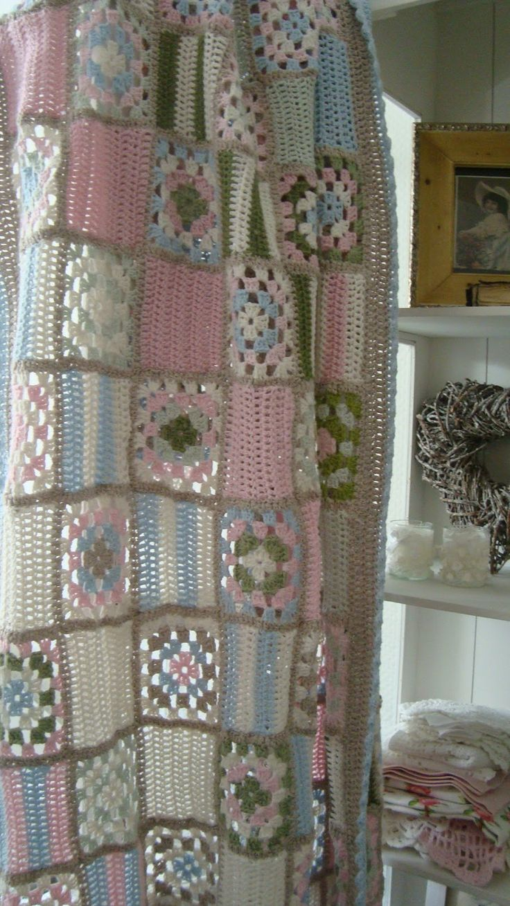 Crochet shower curtains - Crochet Pretty Alteration Of Granny Squares With Plain Lacy Squares