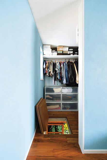 床下に収納空間を設けた寝室