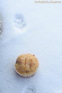 Świąteczne muffinki z żurawiną, gruszką i marcepanem