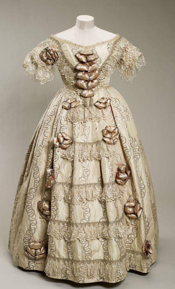 Queen Victoria's dress, 1851