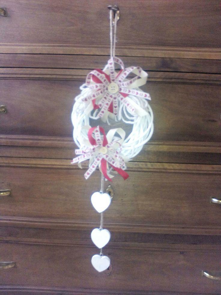 Fuori porta natalizio bianco e rosso interamente fatto a mano