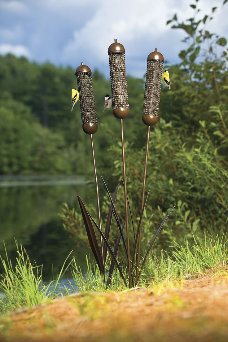 Cattail wire mesh stake set of 3 even looks great for Mesh feeder ideas