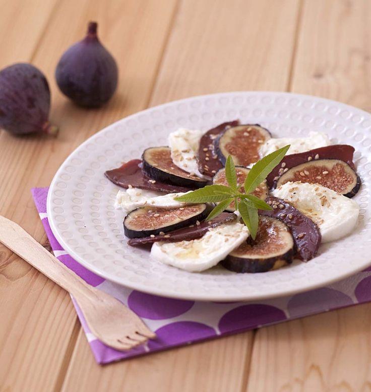 Carpaccio de figues à la mozzarella et au magret de canard - Ôdélices : Recettes de cuisine faciles et originales !