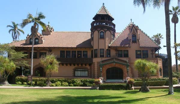 """This historic mansion on the campus of Mount St. Mary's College, located in downtown L.A., served as the Genovian Consulate in """"The Princess Diaries."""""""