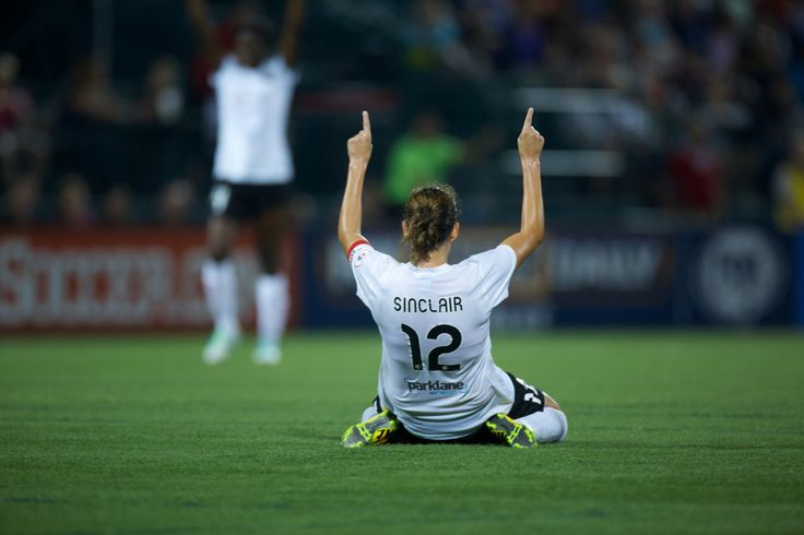 Christine Sinclair scored the second goal for the Portland Thorns in their 2-0 victory over WNY Flash to win the inaugural NWSL Championship