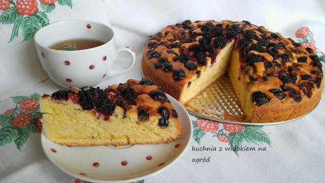 Kuchnia z widokiem na ogród: Błyskawiczne ciasto pod owoce sezonowe, mrożone, suszone czy z kompotu.