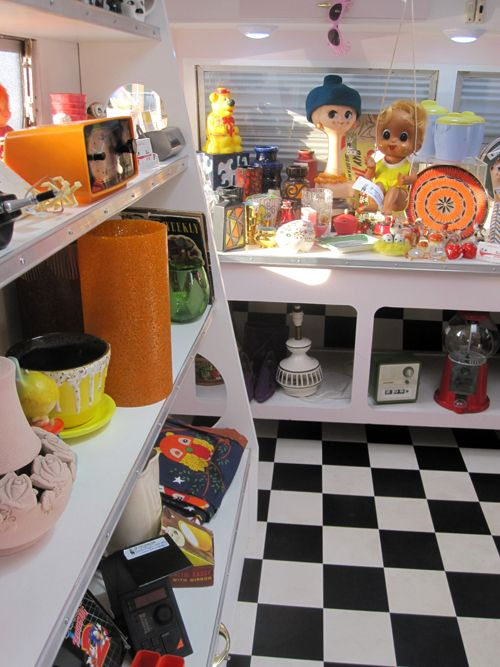 Go Retro at the Camberwell Market 15mins from Melbourne's CBD with Trish Hunter's Caravan Shop. Yes, she parks her caravan at the Market for those looking to buy Retro clothing, home goods, or little gift ideas.