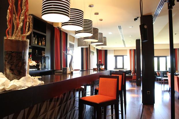 Salón del Hotel BlueSense Ávila Gredos en El Barco de Ávila. Castilla y León. Spain.
