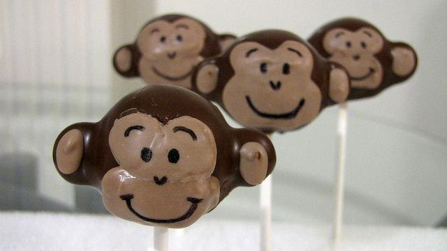 Monkey cake pops - video tutorial: Adorable Faces, Chocolates Chips, Up Monkey Cakes, Monkey Pop, Monkey Cakes Pop, Monkey Cake Pops, Monkey Cakepops, Cutest Monkey, Baby Shower