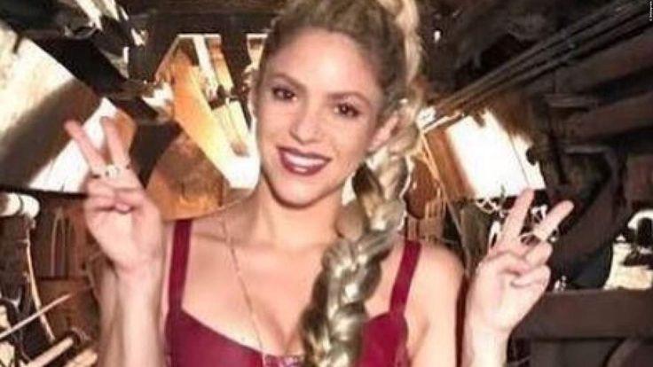 SHAKIRA: 'Echte Gefühle kann ich nur auf Spanisch rüberbringen!'  Shakira gehört zu den absoluten Megastars im Musik-Business: Mehr als 225 Awards hat sie bislang gewonnen, darunter zwei Grammys. >>> https://www.film.tv/go/38622-pi  #Shakira #Pop #Musik