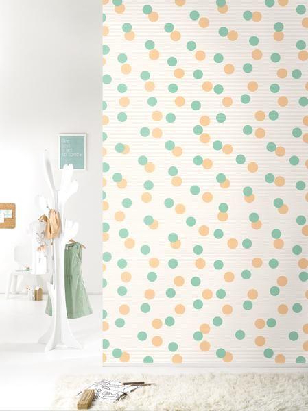 Laat je muren schitteren met deze nieuwe frisse oranje-groene dessin uit de Sparkling collectie van Roomblush. We loooove confetti!