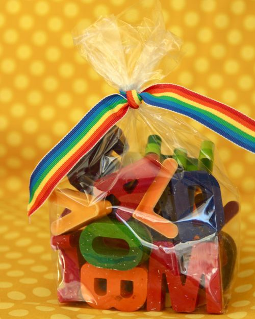 TOO CUTE! Tutorial on making alphabet crayons. Great gift/party favor idea