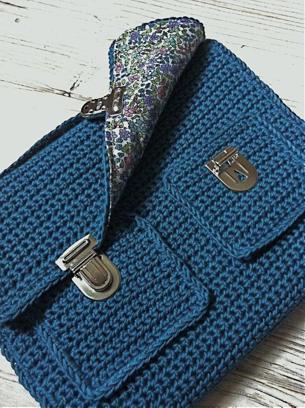 Crochet Boho Bag Pattern : 17 Best ideas about Crochet Book Cover on Pinterest ...