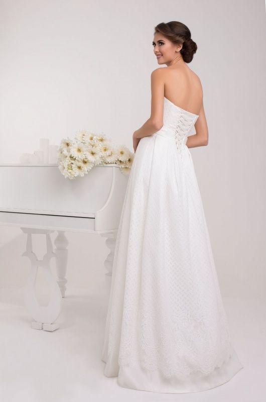 Svadobné šaty s korzetom na šnurovačku