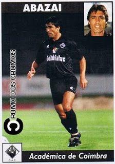 Cromo nº 779 - Eduard Abazaj. Chegou a Portugal para representar o SL Benfica, mas, pelo que sei, nunca chegou a envergar oficialmente a camisola encarnada. Passou ainda por clubes como o Boavista FC e a Académica.