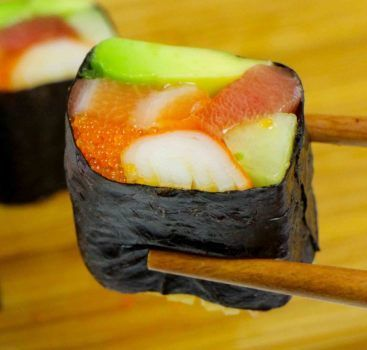 How to make sushi roll without sushi rice - Learn how to create stunning sushi dishes with the guidance of self-taught sushi chef, Davy Devaux.