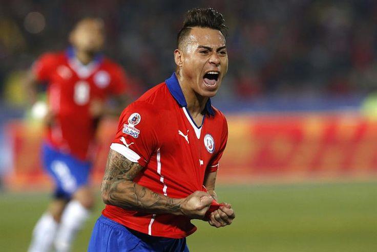 Chile ganó 2-1 con un doblete de Eduardo Vargas y un autogol de Gary Medel. Foto: EFE.