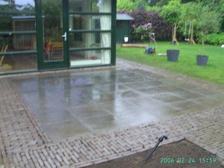 Bestrating terras in achtertuin te Amersfoort - (Sier)bestrating - Projecten | - Hoveniersbedrijf Sinke