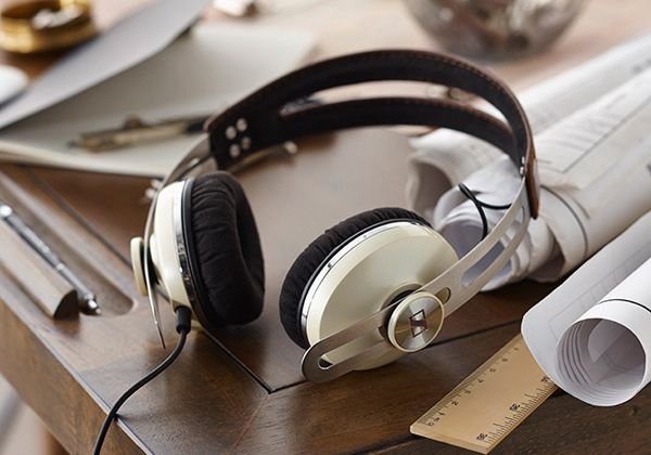 Sennheiser Momentum On Ear - Wow would you look at those good looking cans!