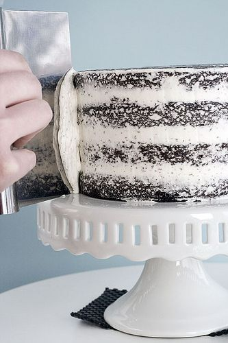 how to frost a cake