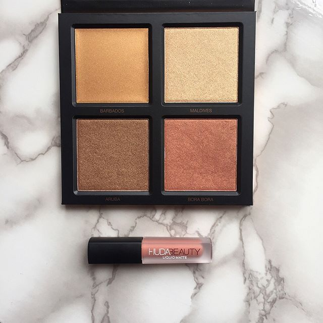 This new 3d Highlighter Palette from Huda beauty is just gorgeous. The shades have such incredible undertones that really let you create such amazing makeup looks. Huda just always gives us such beauty inspiration!