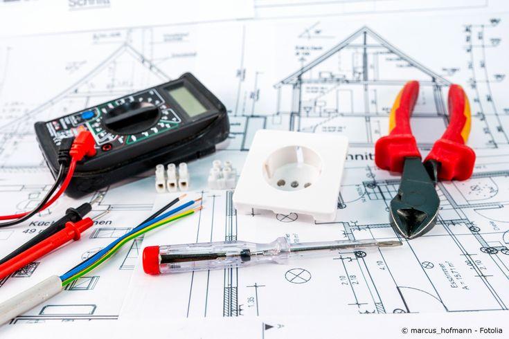 Mehr Sicherheit bei der Montage von Elektrik: Mit einem Phasenprüfer können Wechselspannung im Bereich von 100 V bis 250 V nachgewiesen werden.
