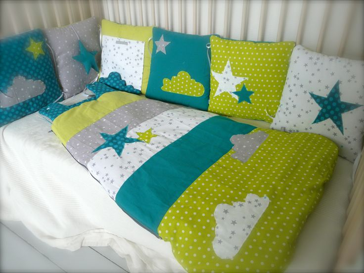 Emejing Chambre Bebe Vert Canard Images - Home Decorating Ideas ...